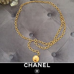 CHANEL • Gold Chain Link Belt